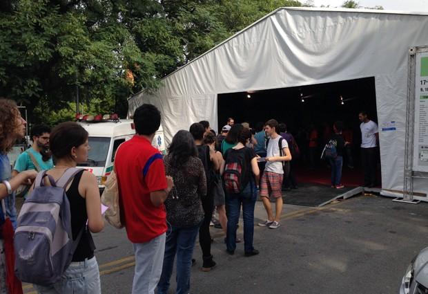 Festa do Livro da USP fila